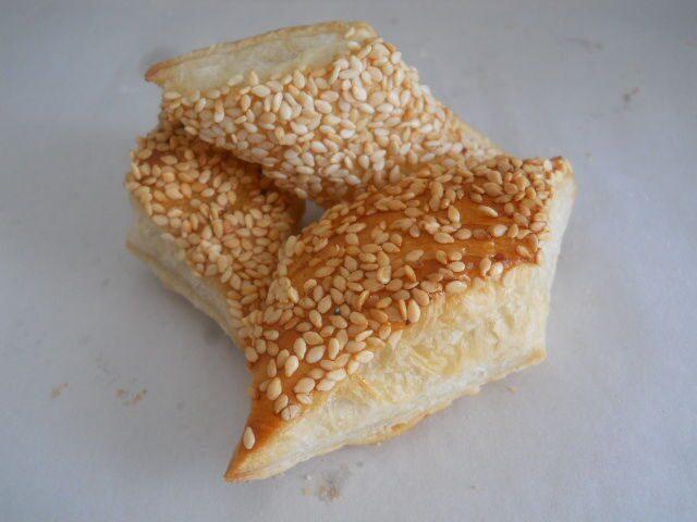 Слоеное печенье с кунжутом рецепт